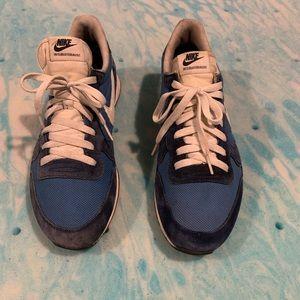 Nike Internationalist Blue size 10